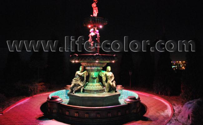 фонтан красный